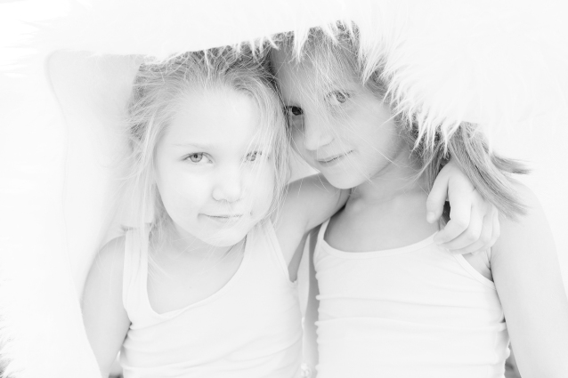 Elsbeth_Neyens_sisters_2